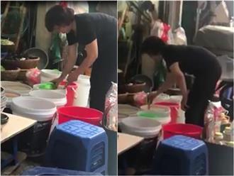 """Quán bún ốc cô Thêm nổi tiếng Hà Nội bị tố pha nước dùng mất vệ sinh, chủ quán lên tiếng: """"4 đời nhà tôi bán chả làm sao..."""""""