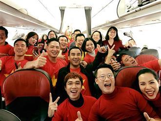 Vợ chồng Hoàng Bách, Bình Minh, Quyền Linh đã lên đường sang Trung Quốc xem U23 Việt Nam
