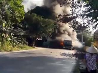 Tai nạn liên hoàn ở Phú Thọ, 4 ô tô bốc cháy dữ dội