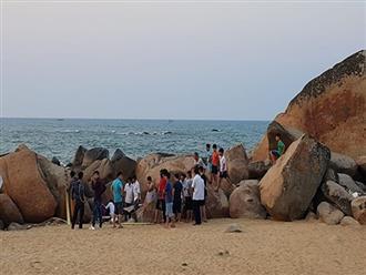 Tắm biển sau khi ăn đám cưới, 1 người đàn ông chết đuối
