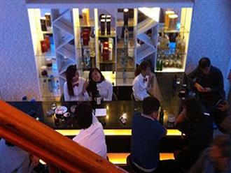 """Thâm nhập những quán bar """"ba không"""" ở Hà Nội"""