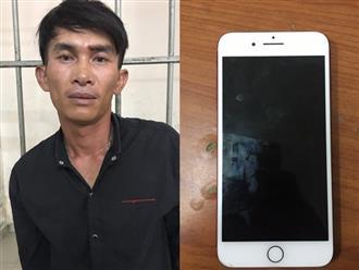 Thanh niên cướp tài sản người phụ nữ ngoại quốc bị trinh sát đạp ngã xe ở Sài Gòn