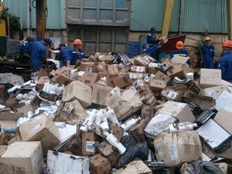Tiêu hủy 50 tấn hóa mỹ phẩm, thực phẩm nhập lậu trị giá 18 tỷ đồng