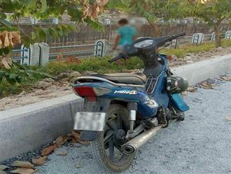 TP. HCM: Nghi vấn nam thanh niên dựng xe máy bên lề đường rồi treo cổ lên cây xanh tự tử
