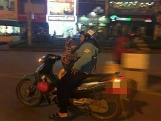 Trước thềm 8/3, người mẹ vẫn địu con chạy xe ôm giữa khuya khiến nhiều người rơi nước mắt