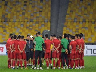 """Tuyển Việt Nam đón """"cơn mưa lộc"""" trước ngày đấu Malaysia"""