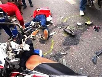 Va chạm với xe khách, 2 người Trung Quốc đi xe máy tử vong