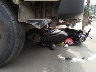 Va chạm xe ben, đôi vợ chồng chết thảm dưới bánh xe ở Sài Gòn