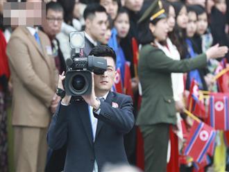 """Vẻ """"soái ca"""" của phóng viên Triều Tiên tại Thượng đỉnh Mỹ - Triều lần 2"""