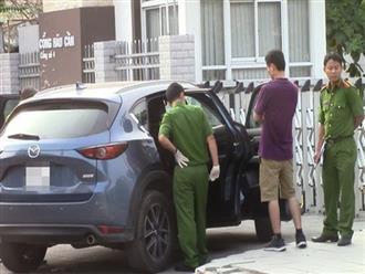 Dừng xe đi vệ sinh, đôi vợ chồng đi ô tô Chevrolet Cruze mất trộm gần 1 tỷ đồng