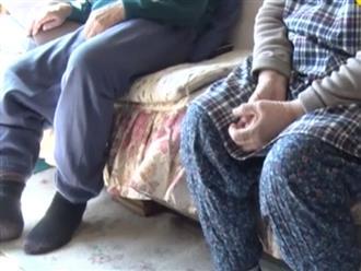 Vợ chồng già Nhật Bản bị cướp xông vào nhà lấy tiền, trước khi trốn thoát hắn để lại 10 chiếc khẩu trang trong sự ngỡ ngàng của nạn nhân