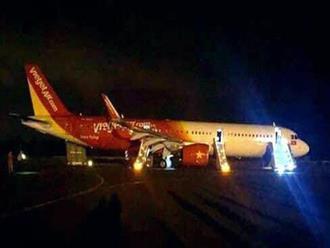 Vụ máy bay VietJet gặp sự cố: Nhiều hành khách bị gãy xương