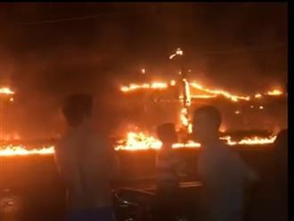 Tai nạn thảm khốc: Xe bồn chở xăng bốc cháy lan vào nhà dân lúc rạng sáng, ít nhất 6 người tử vong