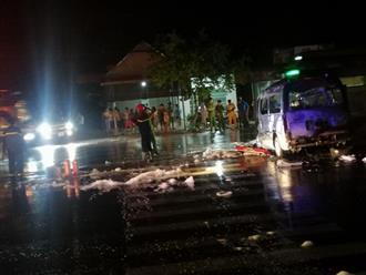 Bình Phước: Xe cấp cứu gặp nạn, bốc cháy ngùn ngụt khiến 1 trẻ sơ sinh và 6 người lớn bị thương