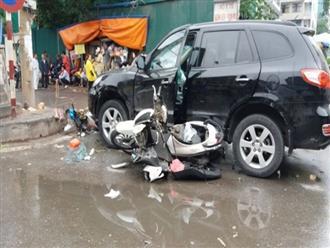 Xe 'điên' gây tai nạn liên hoàn, bé gái 8 tuổi chết thảm trước cổng bệnh viện Bạch Mai