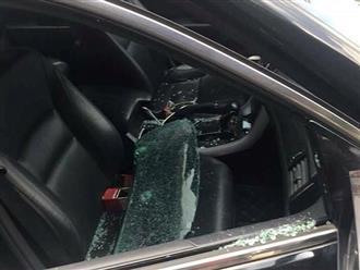 Xe đỗ gần chợ bị trộm đập vỡ kính, nẫng 290 triệu đồng