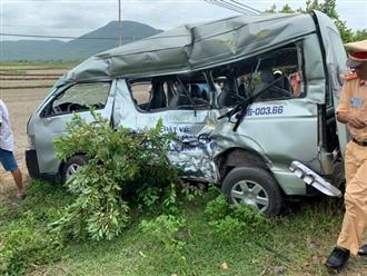 Bình Thuận: Tàu hỏa tông xe khách 16 chỗ, 2 chị em và tài xế tử vong thương tâm