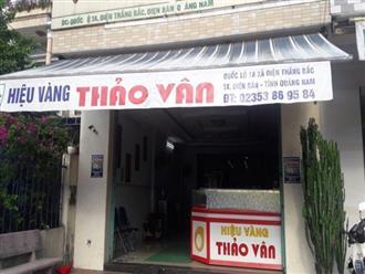 Quảng Nam: Nam thanh niên bịt mặt, dùng búa xông vào tiệm vàng cướp gần 150 triệu chỉ trong vòng vài giây