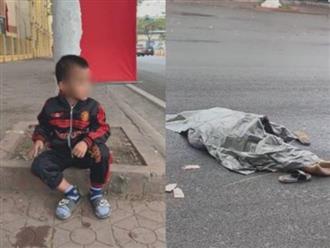 Xót cảnh cậu bé ngơ ngác ngồi bên đường, không biết chị gái vừa bị xe khách tông chết
