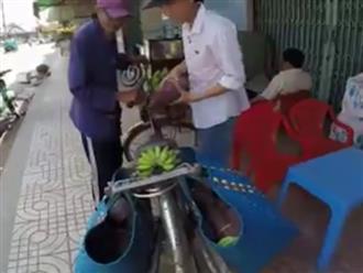 Thương cảnh ông cụ 83 tuổi đạp xe hơn 20km bán chuối nuôi vợ: 'Bà con mua giúp để tôi có cơm tôi sống thì tôi đội ơn'