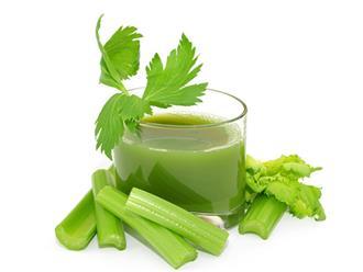 Uống nước ép rau cần tây có tác dụng gì?
