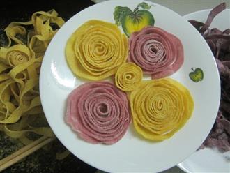 Cách làm mứt dừa hình hoa hồng cho chị em khéo tay
