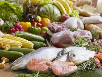 Làm sao để ăn nhiều mà không lo tăng cân trong ngày Tết?