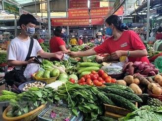 TP.HCM: 14 chợ truyền thống hoạt động trở lại
