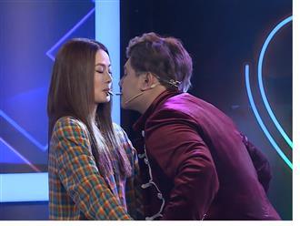 Chí Thiện 'thót tim' với màn biểu diễn của ảo thuật gia suýt 'cưỡng hôn' nữ chính xinh đẹp