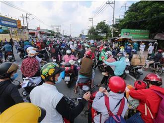 Hàng chục ngàn người đi xe máy về quê: F0 xuất hiện ở nhiều tỉnh, lãnh đạo ngỡ ngàng, không ngờ người về đông thế