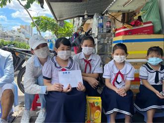 Nhân ngày Tết Trung thu, Ngọc Trinh hoá 'chị Hằng' trao tặng học bổng cho các em nhỏ mồ côi vì đại dịch Covid-19