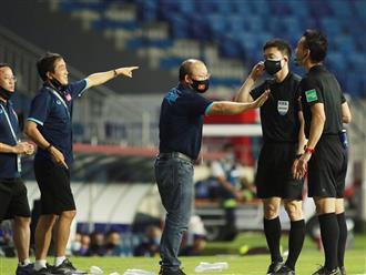 Chiến thuật 'tẩy thẻ' phải chăng là nước cờ cao tay của 'ma thuật Park Hang Seo'?