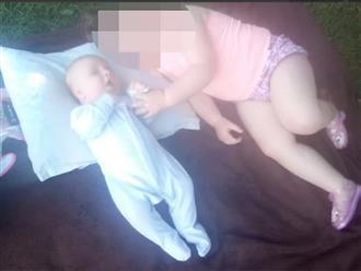 Bé trai 8 tuần tuổi chết thương tâm với nhiều vết dao đâm, linh cảm lạ của người họ hàng xa hé lộ bi kịch khủng khiếp