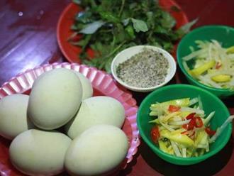 RƯỚC BỆNH THÊM VÀO NGƯỜI nếu đối tượng này ăn trứng vịt lộn