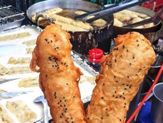 """Lạnh rồi, rủ nhau đến những hàng bánh chuối ngon ở Hà Nội này ngay thôi, 1 hàng bánh """"tí hon"""" nhưng chất khỏi bàn"""
