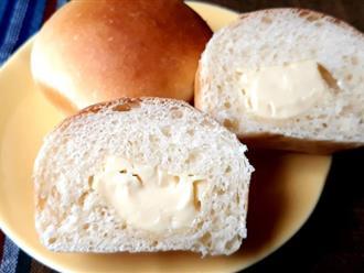 Hễ cuối tuần là con tôi đòi mẹ làm bánh mì phô mai mini cho ăn, loáng cái đã hết bay