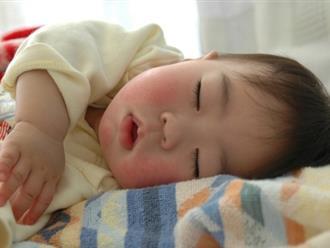 Những điều mẹ cần biết về thời gian ngủ của trẻ sơ sinh từ 1-6 tháng tuổi