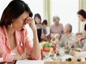 Bỗng dưng mẹ chồng gọi điện nài nỉ mời tôi ăn cơm tối, tôi thấy kỳ lạ nên không về mà để chồng con đi, lúc trở về, con kể lại chuyện mà tôi quá đỗi bất ngờ