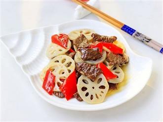 Bữa tối đơn giản với món thịt bò xào củ sen giòn bùi thơm ngon