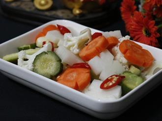 Chuẩn bị cho Tết lưu ngay cách làm rau củ muối chua ngọt đảm bảo ăn gì cũng không ngán