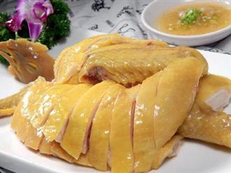 Cách luộc gà ngon da vàng giòn ngọt thịt hấp dẫn nhất