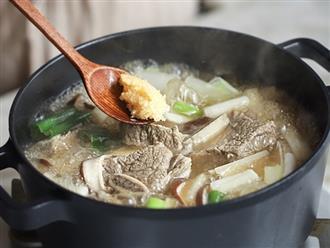 Học người Hàn cách nấu canh sườn ngọt thơm lạ miệng, ăn là thích ngay