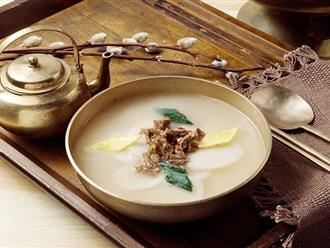 Cách làm canh bánh gạo Hàn Quốc thơm ngon, chuẩn vị