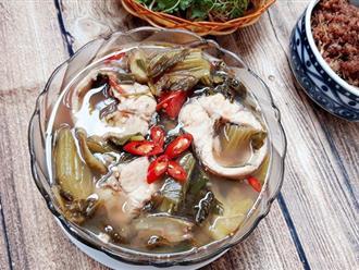 Canh cá nấu dưa chua thanh mát cho ngày nắng