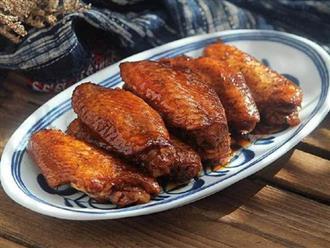 Dùng nồi cơm điện làm món cánh gà om Coca mềm ngon xuất sắc