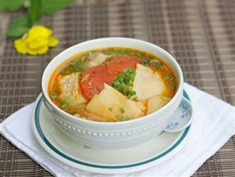 Canh măng chua ấm nóng cho bữa cơm gia đình ngày giao mùa