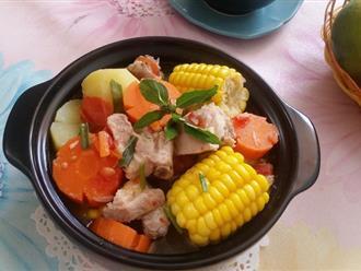 Bữa tối đầy sắc màu với món canh rau củ nấu sườn ngọt thơm hấp dẫn