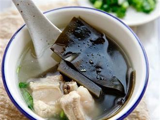 Bữa sáng ngon lành với canh sườn nấu tảo biển bổ dưỡng