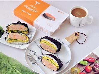 Đổi món cho bữa sáng với cơm nắm xúc xích ngon đẹp bất ngờ