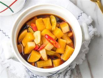 Mùa đông nhà tôi luôn có món củ cải ngâm làm món ăn kèm, chua giòn ngon hết nấc